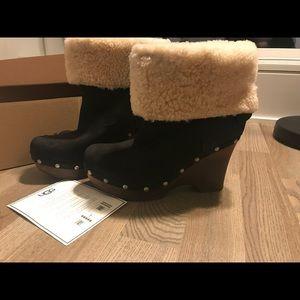 UGG Wedge black suede leather Boots
